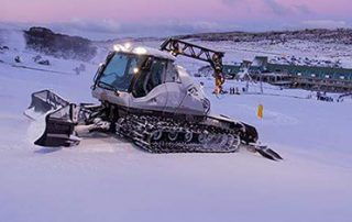 IMG Groomer Tours on the mountain in Perisher